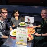 Selbst am bisher wärmsten Tag des Jahres zieht es drei SaarVeggies ins Canossa, um dort lecker zu speisen ...
