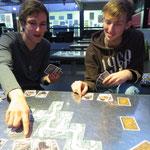 Wer von uns sind die zwei Goldsucher, wer der Saboteur? Auch zu dritt ein spannendes Spiel!