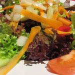 Salat erfreute sich diesmal größter Beliebtheit - es soll sogar Leute gegeben haben, die sich noch einen zweiten bestellt haben