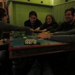 Wir waren insgesamt einfach total verspielt drauf, mit Worten und mit Karten und mit Händen und Gesichtsausdruck.