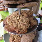 Keks-Parade auf die amerikanische Art mit Vollkorn-Schoko-Cookies und Peanut Butter Cookies!