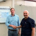 André M. mit Prüfer Bertram nach der erfolgreichen PPL-Prüfung.