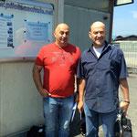 Slobodan und Gottfried haben am selben Tag die praktische Prüfung erfolgreich bestanden.