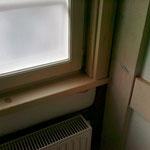 Eingebaute Fensterfutter an einem denkmalgeschutzten Haus