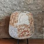 """Luminaire """"Vagues terrestres"""" H : 40 cm et  Ø : 10 cm en laine mérinos et soie sur un trépied métallique et une structure en bambou avec un système électrique et une ampoule LED. Pièce unique"""