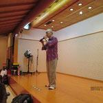 萩野さん(神戸商科大学)による懇親会締め