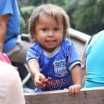 mit Kindern in das Amazonasgebiet von Peru