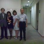 矢郷新会長(左)を囲んで