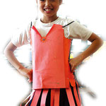 「バレリーナの服と帽子」 パク ヒャンス、ファン・ハギョン、オ・リナ 尼崎朝鮮初中級学校