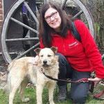 Petra Zoch - Petra fährt regelmässig in unser Tierheim in Tamaseu um dort zu helfen. Auch bei der Vermittlung hilft sie mit.
