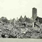 Gezicht op de puinhopen van het Abdijcomplex in Middelburg, mei 1940 ©Geschiedenis Zeeland