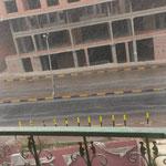 Innerhalb von ca 1 Minute Regen bildn sich bereits kleine Flüsse auf den Strassen