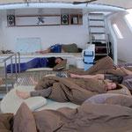 Es ist nicht so, dass wir keine Kabinen haben. Aber wenn man schon mal draussen schlafen kann...