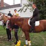... der Bräutigam auch  ... (Familienfoto)