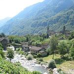 Am Weg zum Gotthardpass, San Nicola, ein altes Dörfchen.