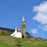 Kirche auf der Anhöhe bei Laste