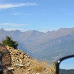 Über eine schmale Straße hinauf auf den Colle di Sampeyre