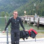 Kaffeepause am Königssee. In die Warteschlange zur Schiffahrt über den See reihen wir uns nicht ein.