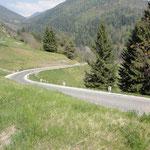 Kurvige, teilweise steile Bergstraßen