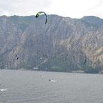 Kitesurfer am Gardasee