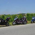 Nichts als Wein ... und ein paar Motorräder