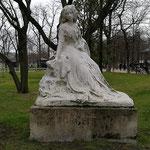 George Sand-Statue_Jardin du Luxembourg