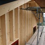 Die Fassadendämmung wird vorbereitet - TISCHER Tischlerei + Holzbau