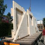 TISCHER Tischlerei: NUR-HOLZ-Haus Rohbau