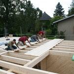 TISCHER Tischlerei: NUR-HOLZ-Haus Balkenverlegung