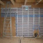 Rohrverlegung für die Wandflächenheizung - TISCHER Tischlerei + Holzbau
