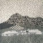 """Black & White. Coussin """"Chaîne des Puys"""" de l'atelier """"Le Quilt émoi""""."""