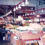カナダ・グランビルアイランドショッピングセンター野菜売場