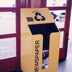 カナダ・バンクーバー・新聞リサイクル