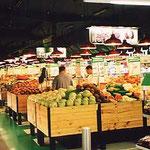 シドニー・町のスーパーの果物売場