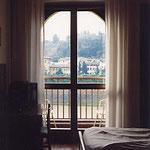 フィレンツェ・H.BALESTRI・窓越風景