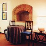 イタリー・モンテリジョーニ・H.MONTERIGGIONI・室内椅子テーブル