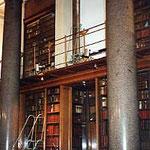 ロンドン・大英博物館本棚