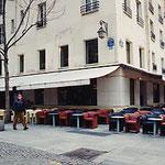パリ・ポンピドー前・レストラン