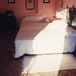 シチリア島・タオルミナ・H.VillaDucale・ベッド