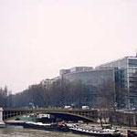 パリ・アラブセンター遠景