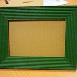 Frente de marco realizado con cartón y cartón ondulado reciclados