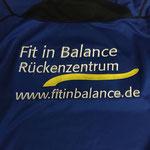 Logo-Stick auf Shirts: (22,8 x 11 cm mit 15.984 Stichen: 1,50 + 16 x 1,20 = 20,70 € brutto)