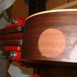 Fertige Reparatur, Loch in Gitarre, Gitarrenloch füllen, Pre- Amp-/Tonabnehmer- System mit Holz ausfüllen, Musik Fabiani Guitars Calw