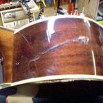 Zarge einer Akustik-/Westerngitarre reparieren, Risse in Gitarre reparieren, Riss Reparatur Akustik-/Concertgitarre, Musikhaus Fabiani Guitars Calw 75365