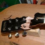 Bruch Kopfplatte Western-Konzertgitarre, Reparaturwerkstatt für Saiteninstrumente, Musik Fabiani Guitars 75365 Calw