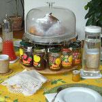 mit 13 ! Sorten Marmelade