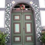 mit einer schönen Haustür