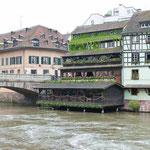 Hübsches Restaurant am Fluß