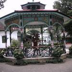 Pavillion am Kraton Eingang