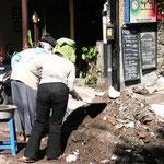 Straßenarbeiten in Ubud